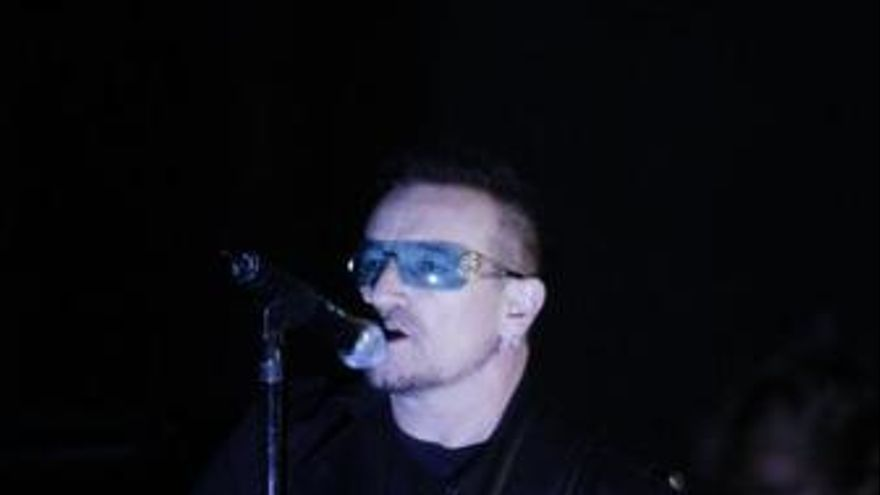 Bono cantante de la banda irlandesa U2