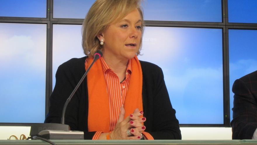 """Mercedes Fernández (PP) destaca el """"compromiso"""" de Arias Cañete con la ganadería asturiana"""