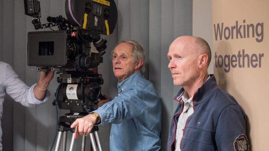 Ken Loach junto a Paul Laverty durante el rodaje. Caramel Films.