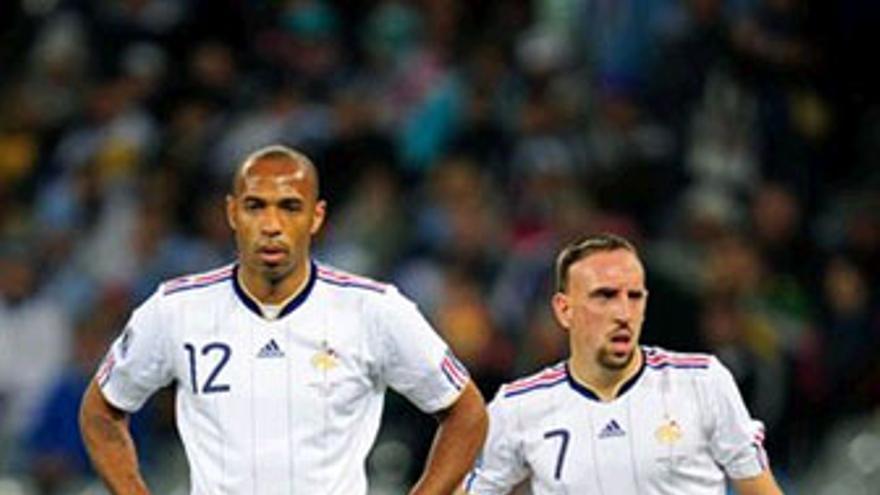 Henry y Ribery, delanteros de Francia. (GETTY IMAGES)
