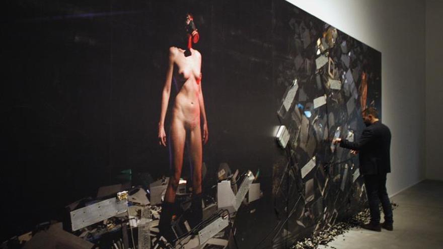 Una exposición inspirada en Frankenstein aborda la dependencia tecnológica