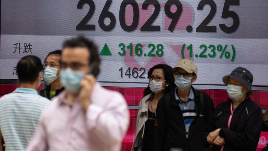 Las sanciones de EEUU a empresas chinas dejan en rojo al Hang Seng