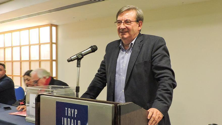 Fernando Martínez, tras ser reelegido. Imagen: PSOE