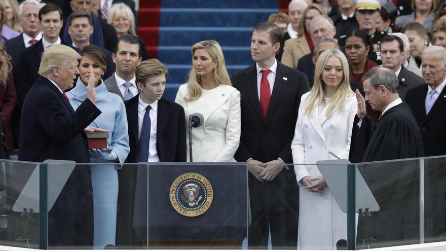 Donald Trump jura su cargo como nuevo presidente de Estados Unidos.