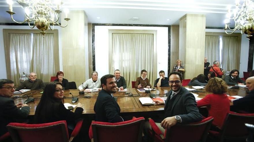 Comienzan la reunión PSOE, Podemos, IU y Compromís para un pacto de izquierdas