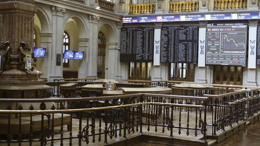 La Bolsa española se da la vuelta tras la apertura y pierde los 8.300 puntos