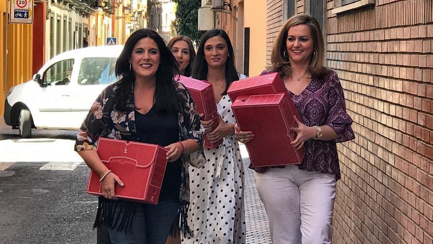 Entrega de avales de Susana Díaz.