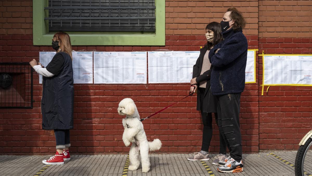 """La figura del """"facilitador sanitario"""" generó dudas en los distintos centros de votación"""