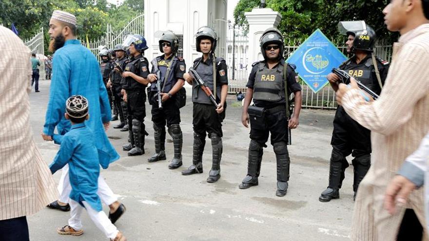 Al menos 3 muertos y 6 heridos durante un ataque con bombas en Bangladesh