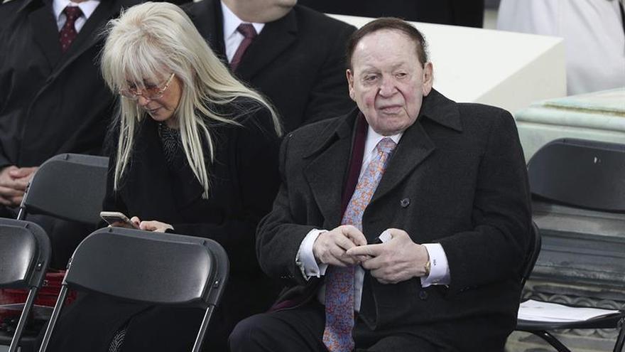 El magnate Sheldon Adelson donó cinco millones de dólares para la toma de posesión de Trump