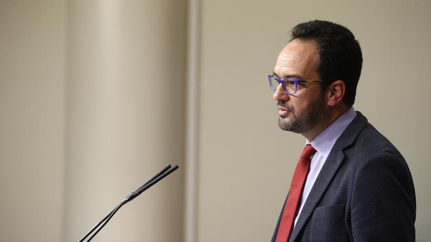 El PSOE pide activar la comisión de investigación sobre Fernández Díaz y buscar un acuerdo sobre su presidencia