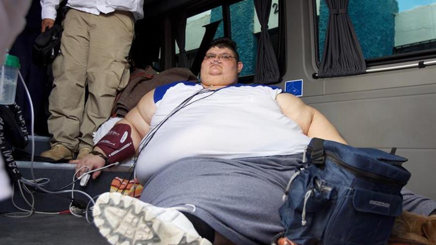 El hombre más obeso del mundo inicia tratamiento para bajar de peso en México