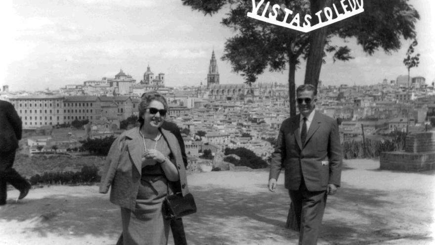 Portada del cartel del VIII Encuentro Internacional de Fotografía con una imagen de Toledo