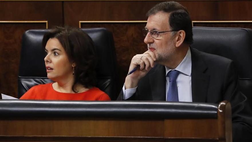 S.Santamaría acusa a Podemos de plantear reformas que liquidan la democracia