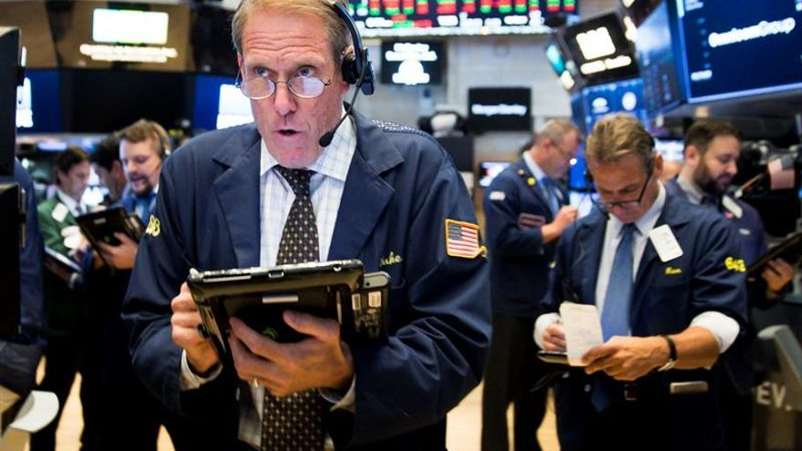 Wall Street abre mixto y el Dow Jones cede un 0,01 %
