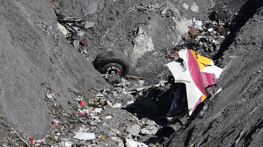 Las familias de seis víctimas del Germanwings presentan demandas dos años después