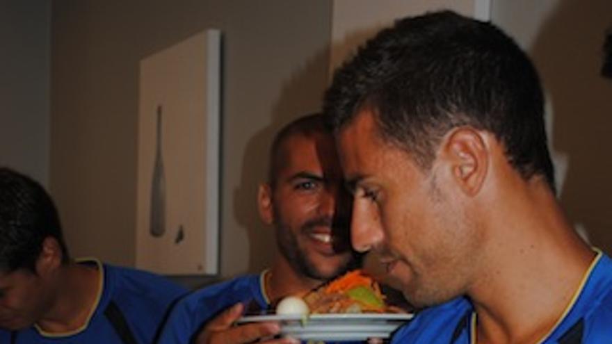 David García y Adrián 'Pollo' en el buffet