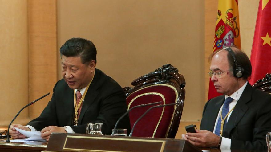 """Xi Jinping dice que China hará esfuerzos """"para abrir más sus puertas al mundo exterior"""""""