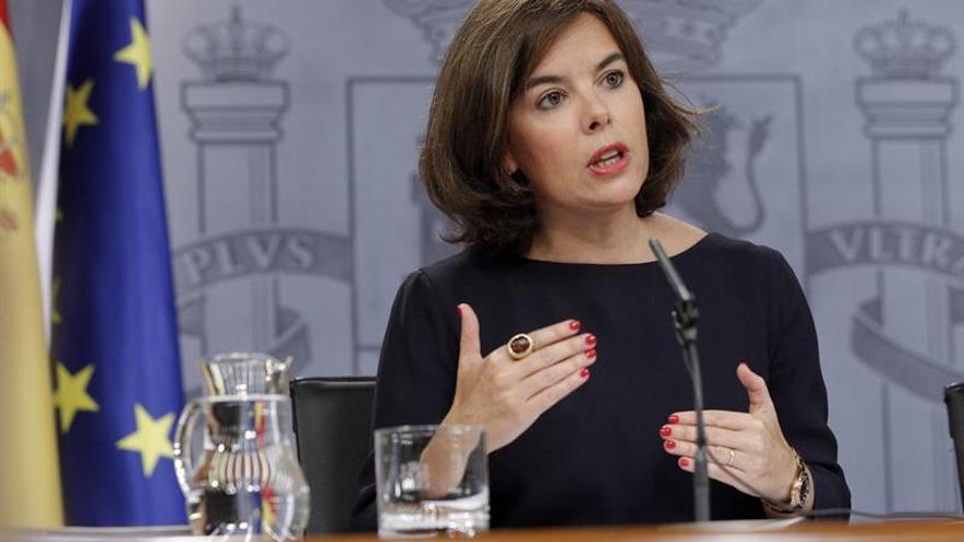 Sáenz de Santamaría: No es momento de reclamar un debate, sino de formar un Gobierno