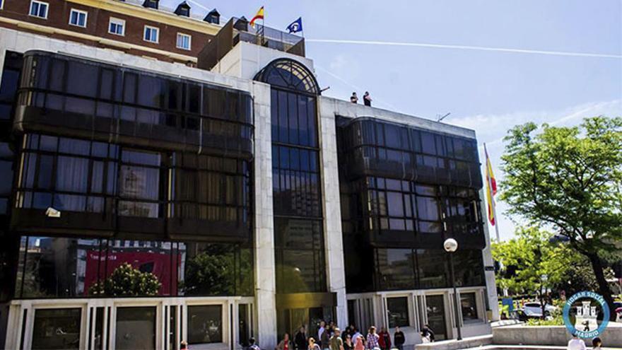 Antigua sede del Banco Madrid okupada por el colectivo ultraderechista Hogar Social