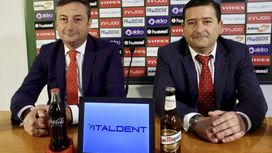 Alfredo Pérez y Pedro Ortíz, en rueda de prensa tras ser nombrados presidente y vicepresidente del Racing.