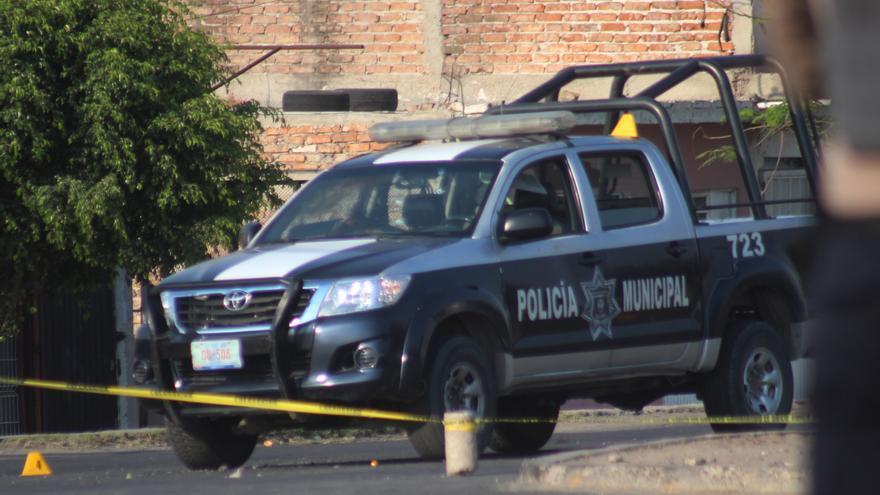Detienen a siete policías por el asesinato de doctora en centro de México