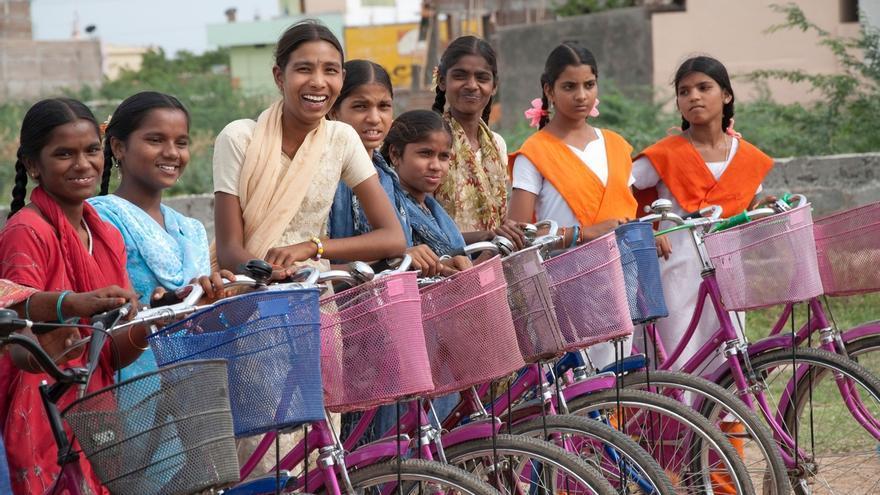 'Los 10.000 del Soplao' vuelven a sufragar la compra de bicis para niñas de la India
