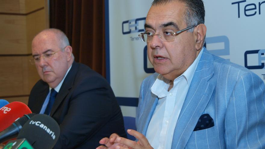 Pedro Alfonso (izquierda) y José Carlos Francisco, secretario y presidente de  CEOE-Tenerife