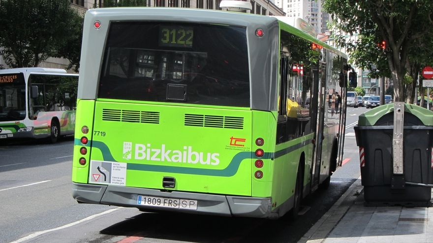 La Diputación vizcaína aprueba los planes de transición de las nuevas empresas concesionarias de Bizkaibus