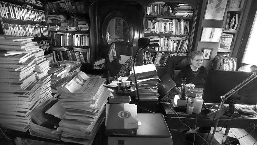 L'estudi de Pilar Pedraza és el cafarnaüm literari més genuí.