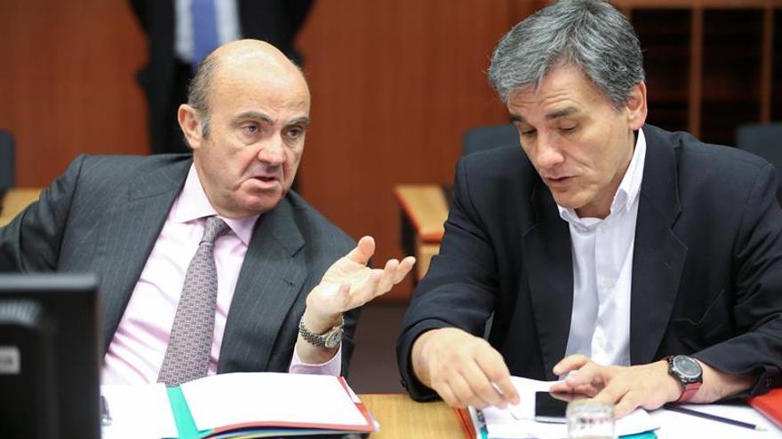 La Eurozona tratará de liberar la ayuda a Grecia y avanzar en el alivio de su deuda