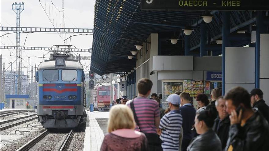 Kiev y los separatistas abren las reuniones de los grupos de trabajo en Minsk