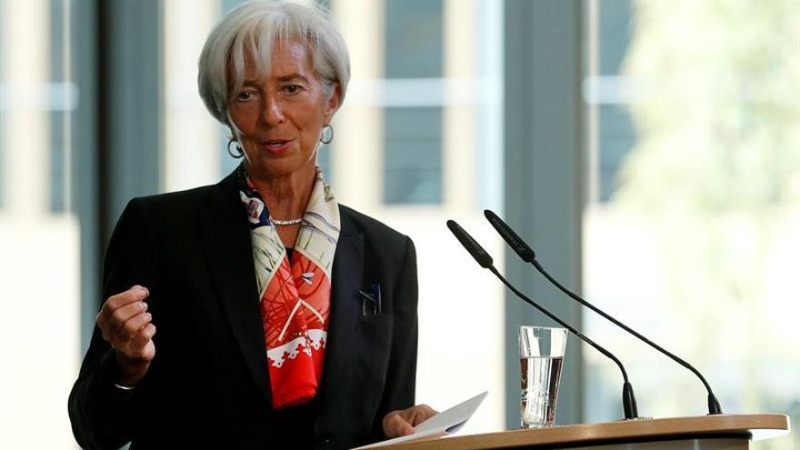 El FMI urge a China a acelerar las reformas para sostener el crecimiento