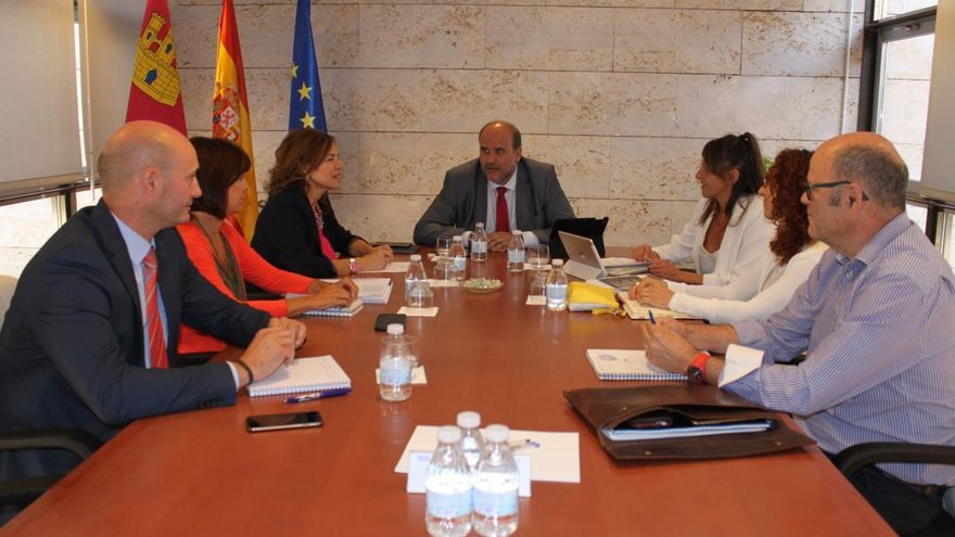 Reunión de coordinación de la Estrategia contra la Pobreza y el Plan de Garantías Ciudadanas