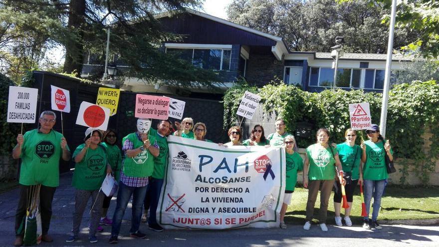 Acción #ArturoSeQueda de la PAH.