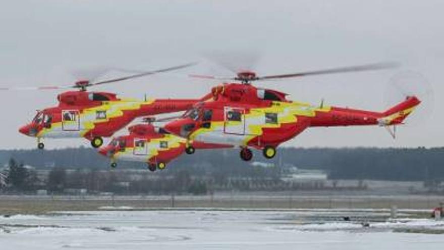 Los nuevos helicópteros, durante su periplo por Europa. Foto: Gobierno de Canarias