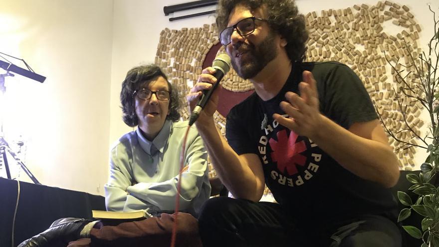 Ramón Betancor en la presentación de su libro en Madrid.