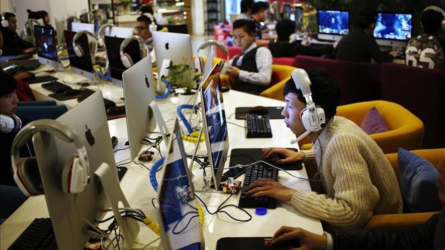 AI urge a firmas tecnológicas a rechazar la influencia de China en internet