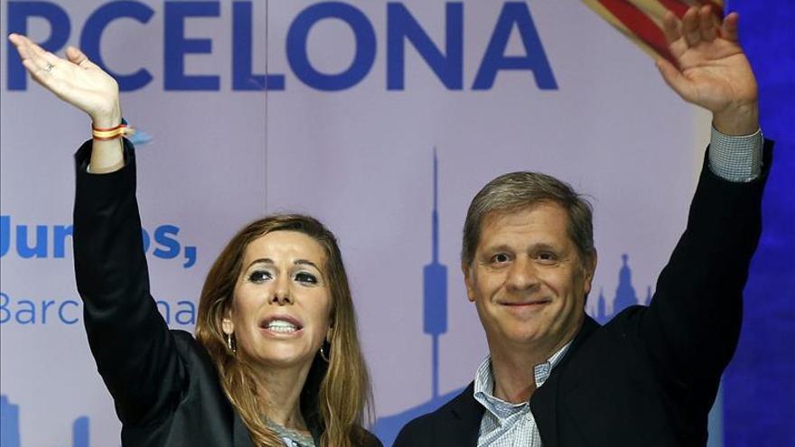 La presidenta del PP catalán, Sánchez Camacho, junto al candidato por Barcelona, Alberto Fernández Díaz