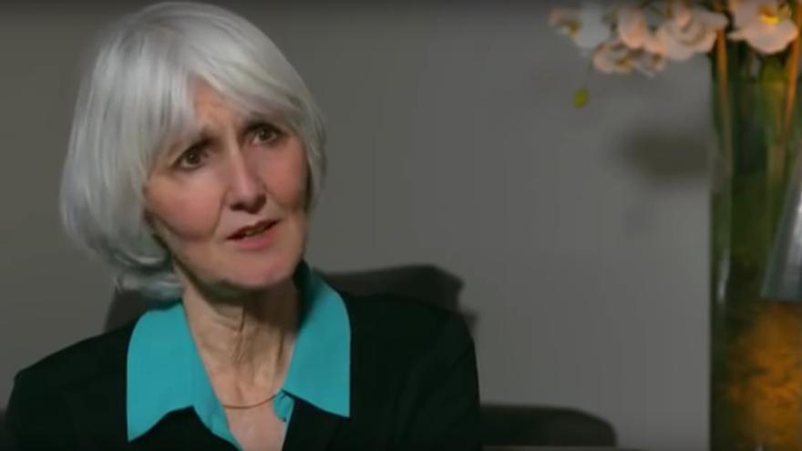 Sue Klebold durante una entrevista para la cadena británica BBC