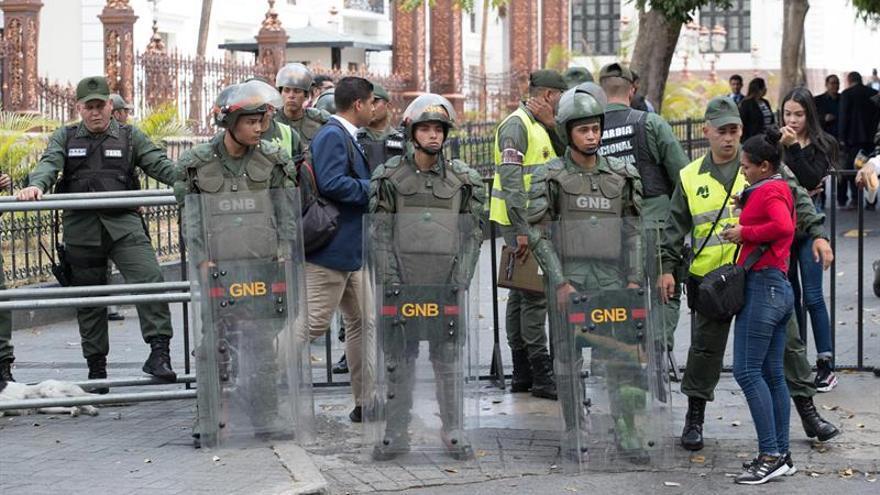 Expulsan de Venezuela a un periodista español que documentaba la crisis