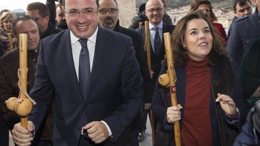 Sáenz Santamaría aboga por que el 'Camino de la Cruz' tenga la trascendencia del de Santiago