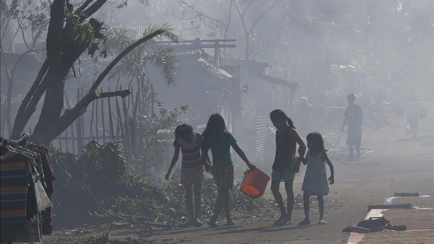 El tifón Hagupit causa 4 muertos y casi un millón de desplazados en Filipinas