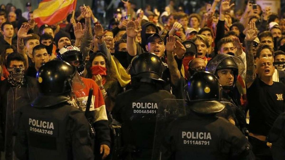 La manifestación de ultraderechistas tras la sentencia del procés