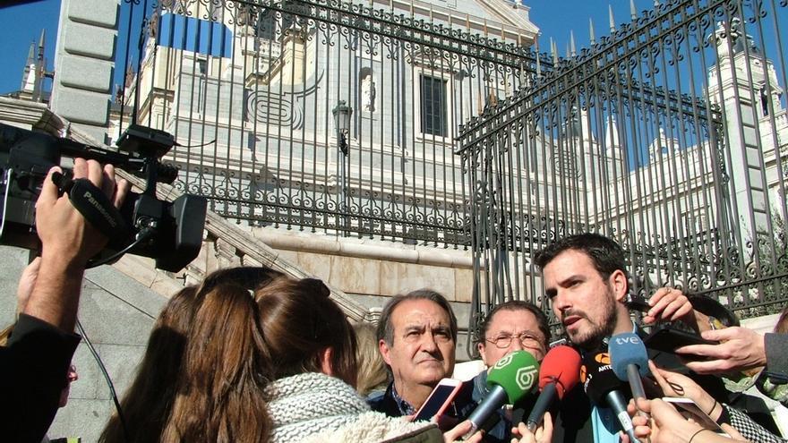 Garzón apuesta por un Estado 100% laico y eliminar privilegios a la Iglesia, que cuesta 240 euros anuales a cada español