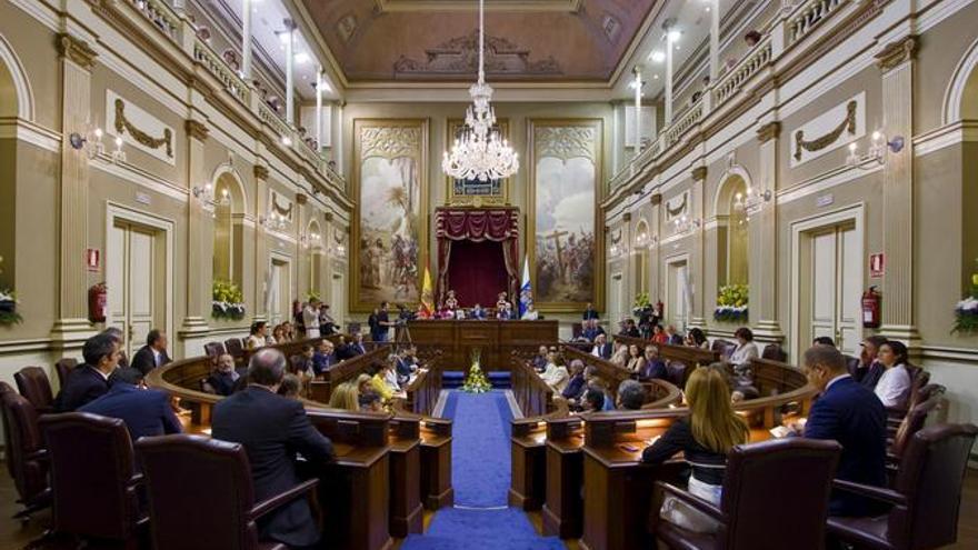 El Parlamento de Canarias aprobó una ley de muerte digna / Foto: Parlamento