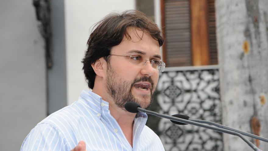 PP canario niega corrupción en el Gobierno, como afirma el teniente fiscal del TSJC