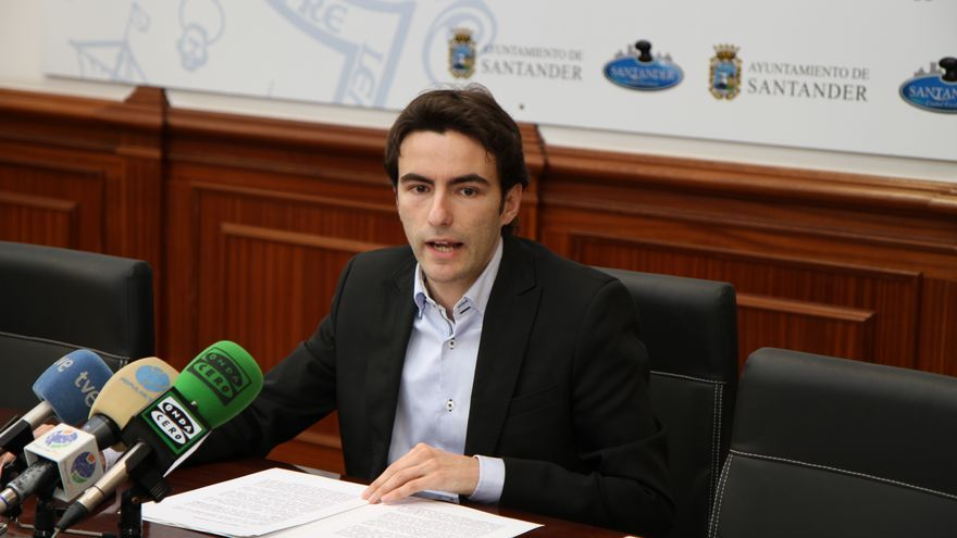 Pedro Casares, secretario general del PSOE en Santander y portavoz del grupo municipal socialista.