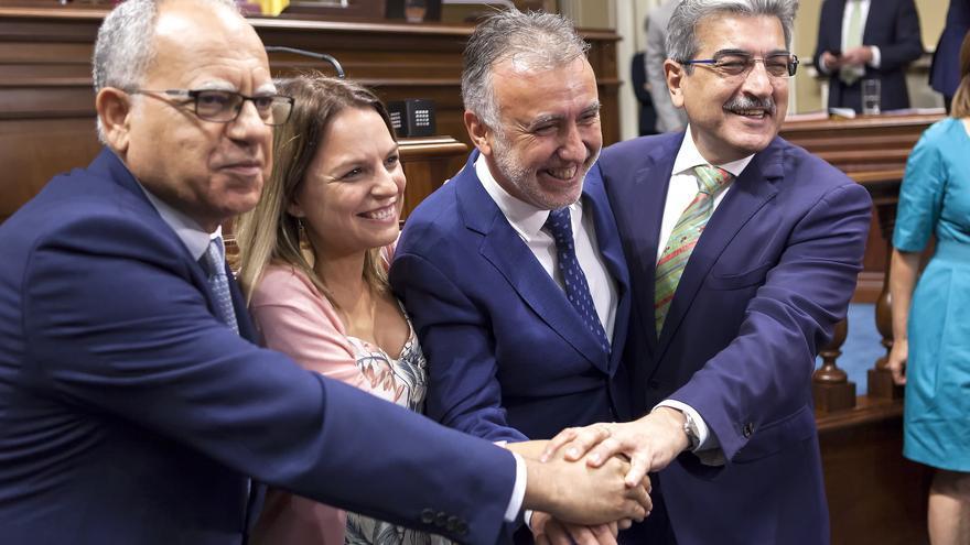 Casimiro Curbelo, Noemí Santana, Ángel Víctor Torres y Román Rodríguez.