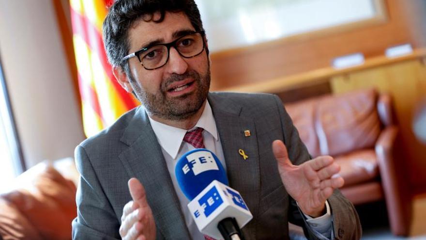 Cataluña dejará a los funcionarios trabajar el 12 de octubre y 6 de diciembre